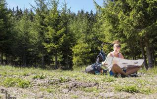 Úprk do lesa: O třech sudičkách a dlouhé cestě
